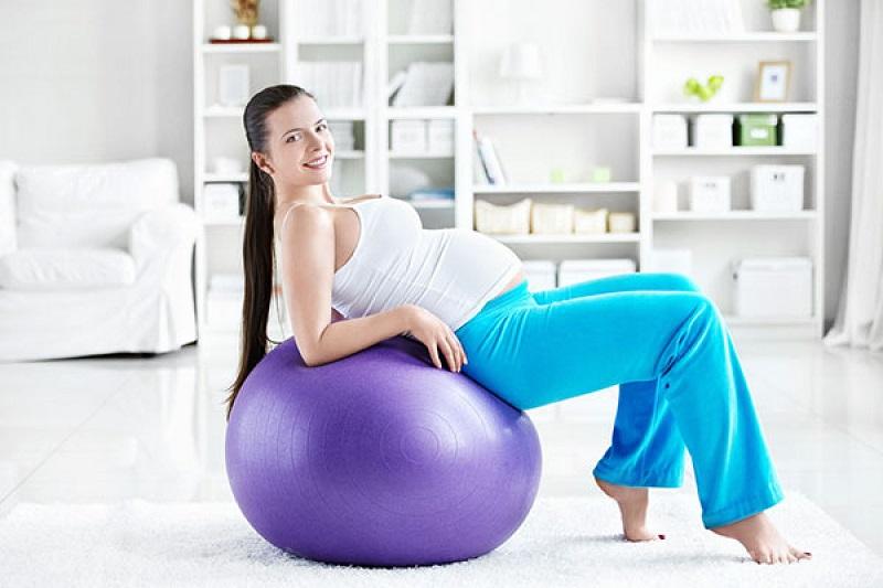 На что направлены занятия на фитболе для беременных