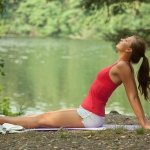 Бодифлекс: 3 упражнения на подтяжку бедер, спины и живота