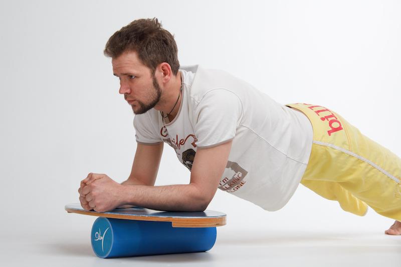 Баланс борд: упражнение Горизонтальная планка, стандартное.