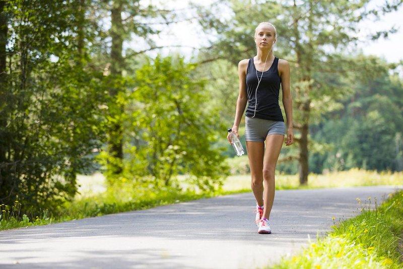 Если ли польза от пеших прогулок в плане похудения и набора массы